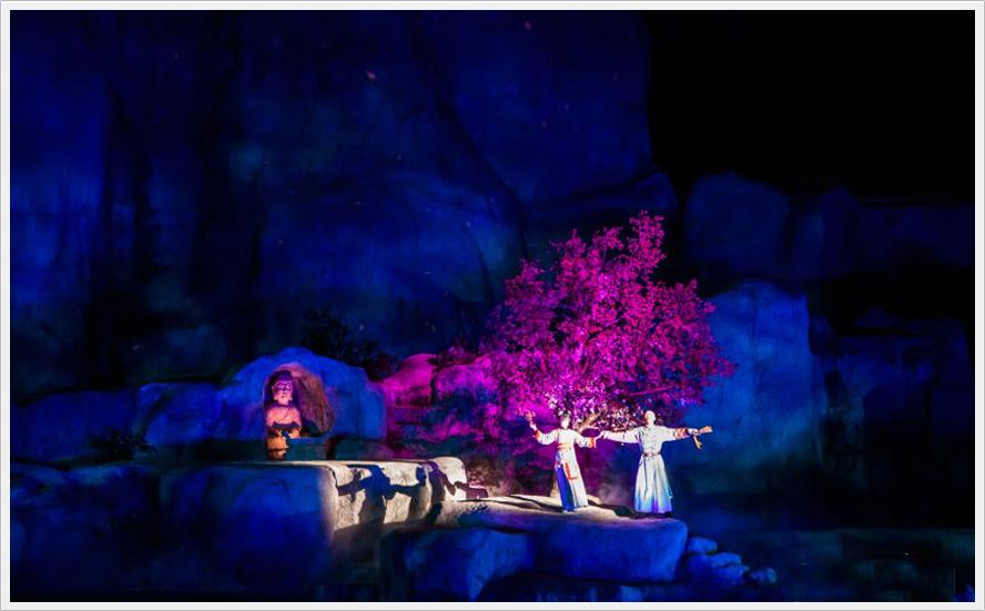 等六幕,通过歌舞,音乐,奇幻秀等艺术形式,再现清代鼎盛时期盘山地区的